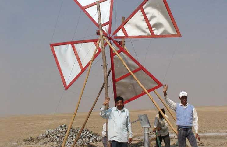 Low-cost-wind-powered-pump-India-3
