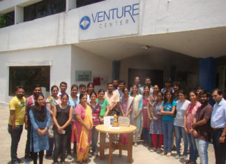The-Venture-Center-Team-with-the-National-Award