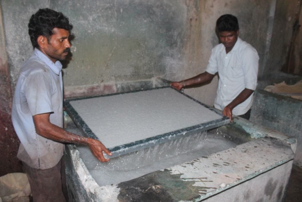 paper-bghandmade-pulp-tray